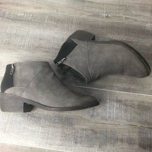 BC of California Gray Black Zippered Ankle Boot